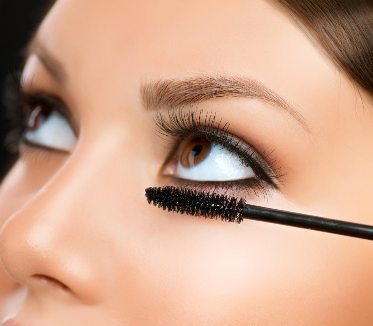 ¿Me puedo maquillar con las extensiones de pestañas?